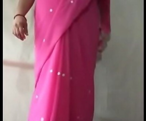 Milf indian saree aunty 2 min