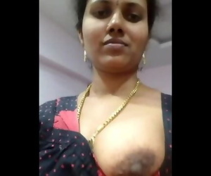 Indian Aunty Fat Boobs..
