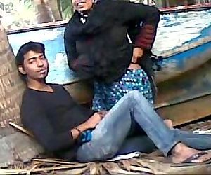 Desi couple caught screwing..