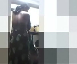 desi maid changing 2 min